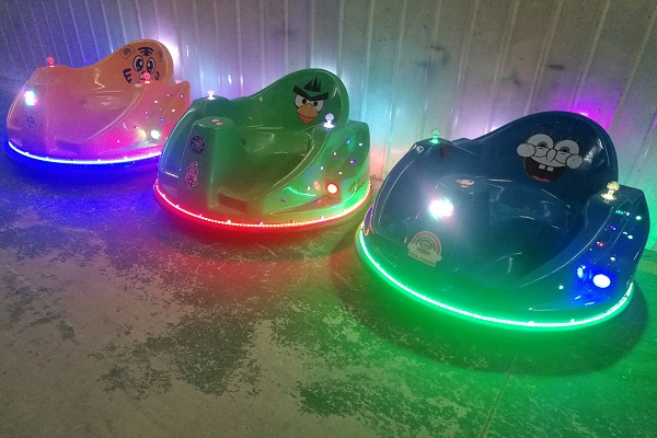 Dinis UFO Bumper Car Working at Nights